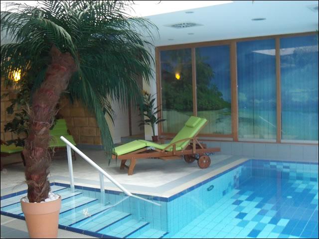 Schwimmbad pension toscana for Schwimmbad gegenstromanlage